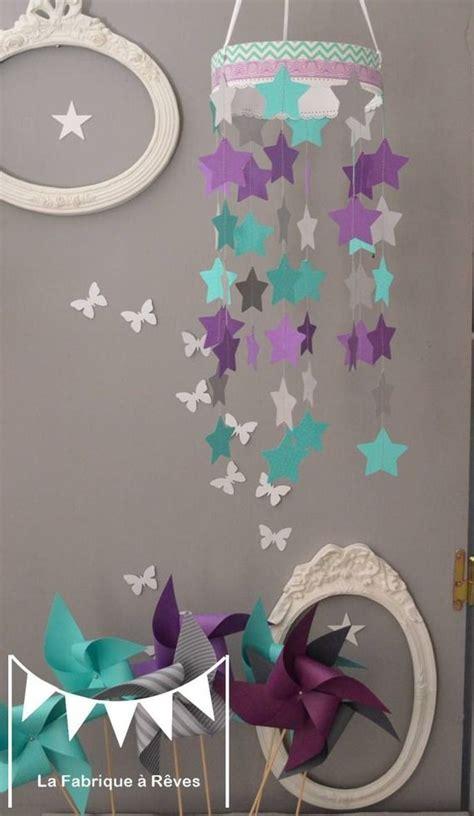 decoration chambre bebe fille photo mobile suspension étoiles turquoise gris et violet mauve