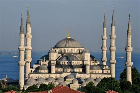 Mosques In Istanbul The Biggest Urban Area In Europe