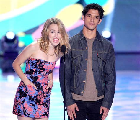holland roden y su novio actual inside the 2013 teen choice awards zimbio