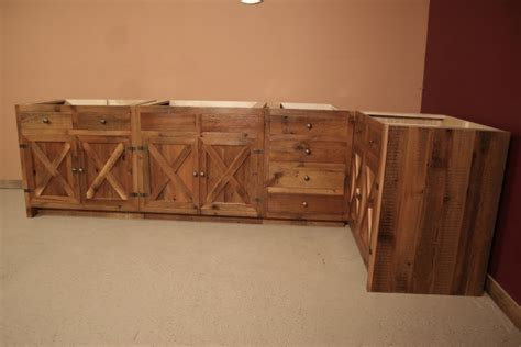 Reclaimed Barnwood Kitchen Cabinets ? Barn Wood Furniture