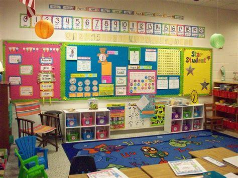 Best 25  First grade classroom ideas on Pinterest   1st