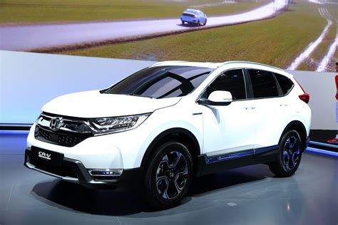 Spec 2018 Honda Cr V Joins Team Hybrid After Ditching Diesel Carscoops