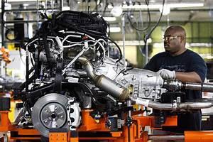 Chrysler U0026 39 S Hemi Engine Loses Favor