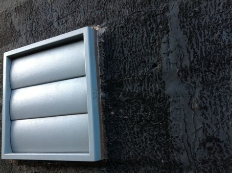 Kitchen Extractor Fan Light Cover by Fitting An Extractor Fan The Thoughtstuff
