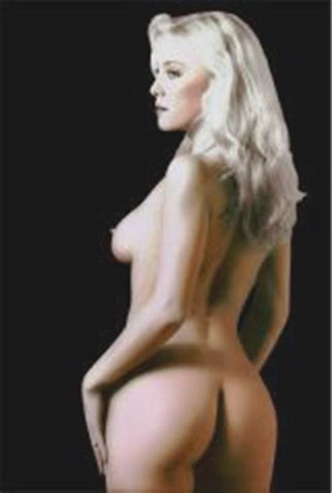 Naked Moana Pozzi in Pornô