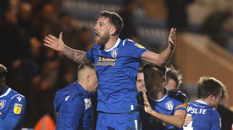 Let's Roll Our Sleeves Up - Pell - News - Colchester United