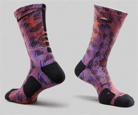 Nike LeBron Socks to Wear with the Nike LeBron 12 Instinct | SportFits.com