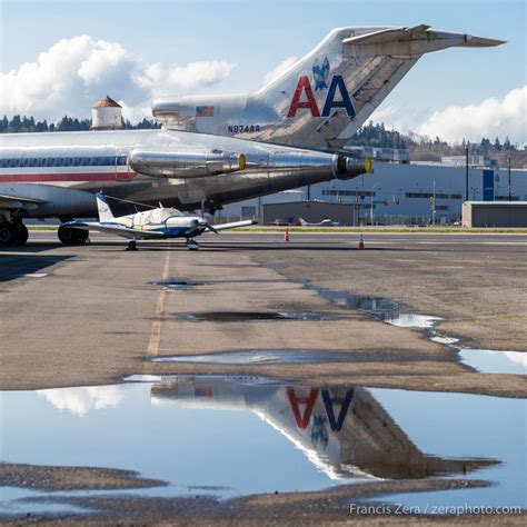 An American Boeing 727 Prepares To Fly To The National