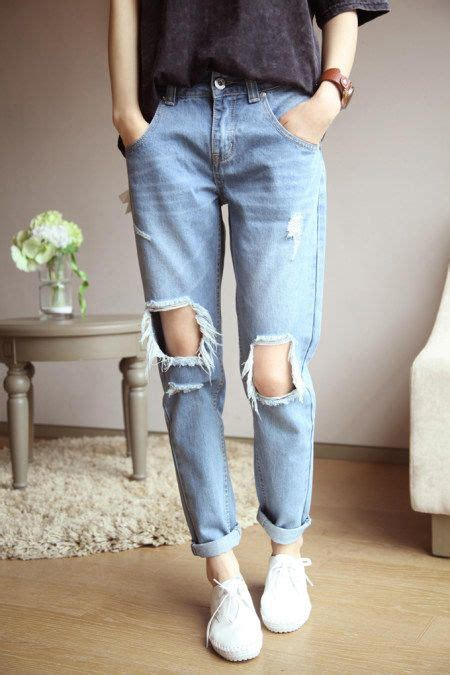 Best 25+ Ripped mom jeans ideas on Pinterest | Teen jeans Grunge outfits and Outfits