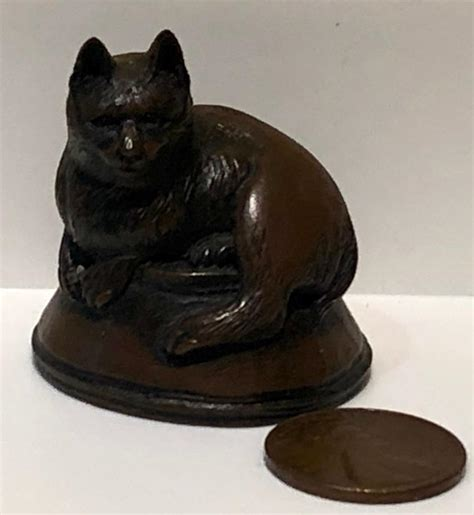 """A perfect small token and gift, collectable, or desk accessory for. Vintage MMA Metropolitan Museum of Art """"Cat on Fish Bowl ..."""