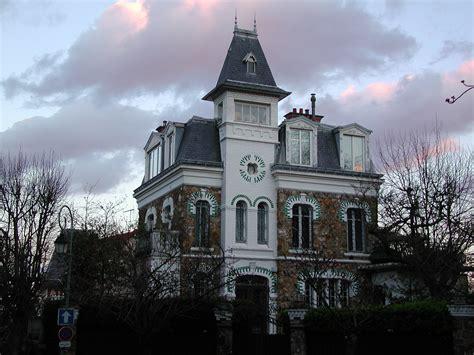file maison dans le parc de montretout jpg wikimedia commons