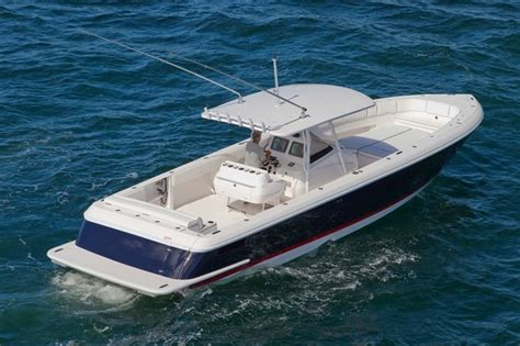 Intrepid Cruiser Boats by Intrepid 400 I O Diesel Center Console Boats