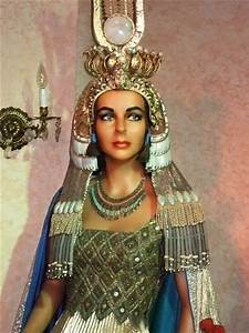 Elizabeth Taylor as Cleopatra VII 2 | Photographed at the ...