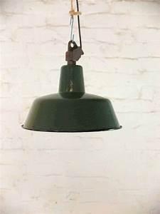 Vintage Lampen Berlin : vintage emaille lampe works berlin restauriert und verkauft original vintage industriedesign ~ Markanthonyermac.com Haus und Dekorationen