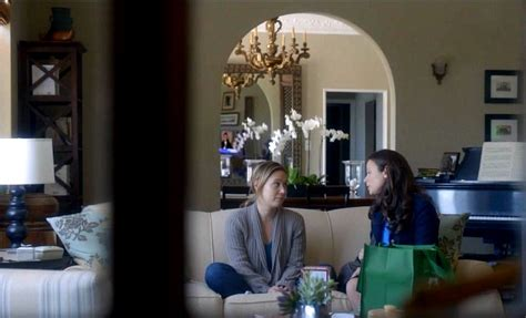 olivia popes apartment  scandal living room  hooked