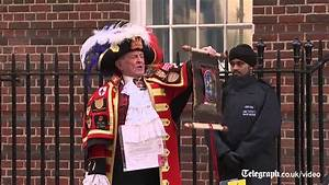 Free Images Baby Town Crier Announces Birth Of Royal Baby Girl Youtube