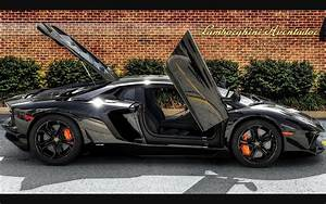 Luxury Lamborghini Cars: Lamborghini Aventador Black