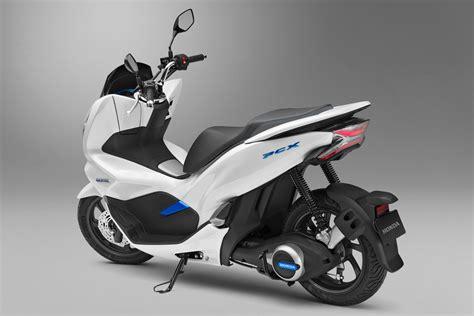 2018年発売予定のホンダ・pcx Electricは未来感ありすぎる125cc区分の電動バイク