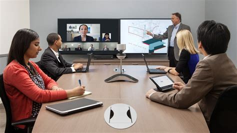 Collaborate At 360° With Polycom's Video Conferencing Camera