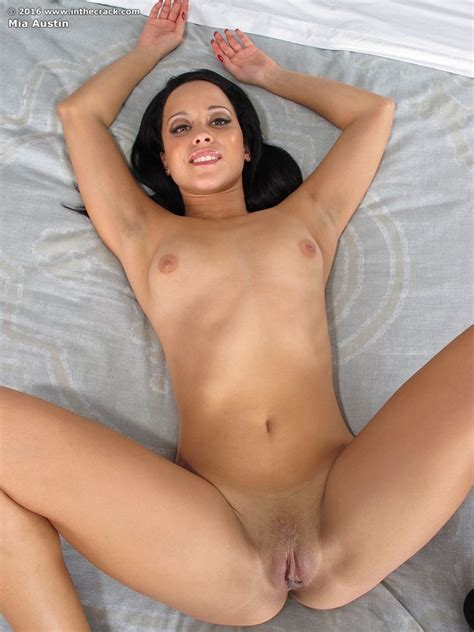 Mia Austin In Eyes Up Pose From In The Crack