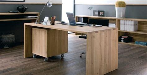 grand bureau en bois buro market photo 3 5 un grand bureau en bois crédit