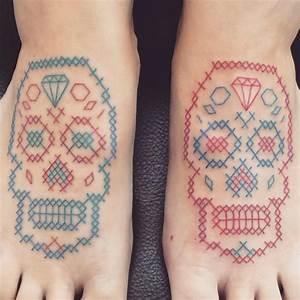 Tatouage 3 Points : les tatouages point de croix de mariette openminded ~ Melissatoandfro.com Idées de Décoration