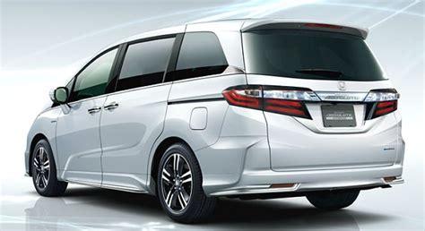 Three High-mpg Hybrid Minivans Americans Would Love But
