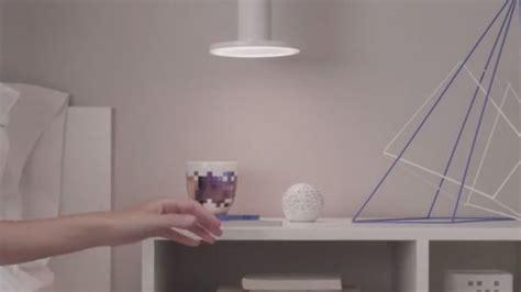 chambre buzz l 馗lair sense un globe qui analyse la qualité de l air de votre chambre la température et l humidité geeko
