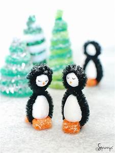 Pipe cleaner penguins DIY - winter craft ideas • SPUNNYS