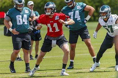 Carson Wentz Practice Eagles Center Eagle Brace
