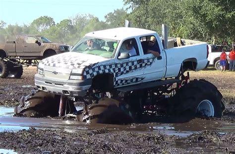 monster truck mud videos monster truck dmax diesel creepin 39 mud bogging ihmr