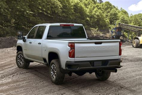 2020 Gmc 2500 Work Truck by 2020 Chevrolet Silverado Hd Can Tow 35 500 Pounds