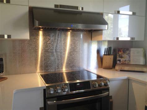 adhesif deco cuisine revetement mural cuisine adhesif décoration de maison
