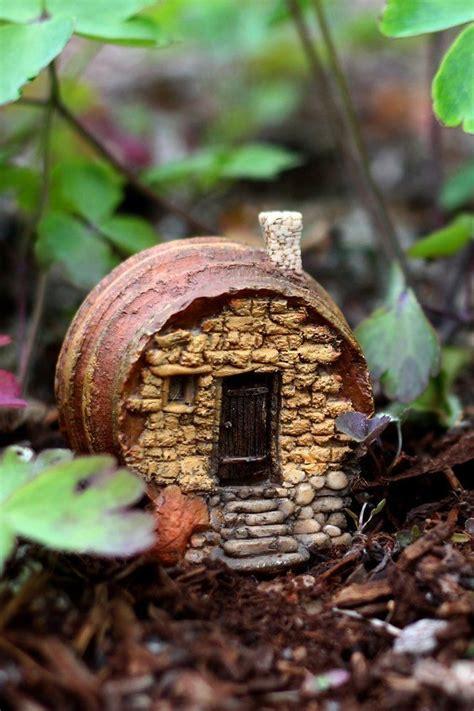 miniature dollhouse garden barrel house