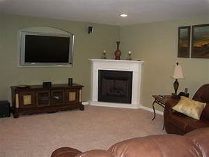 How to Decorate a Living Room with a Corner Fireplace at ...