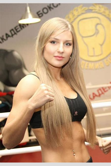 """They Nicknamed Her """"Barbie"""", The Most Beautiful Muay Thai Boxer In The World – 3Stoogiez!"""