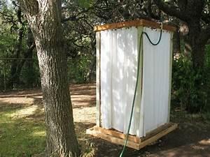 dusche selber bauen coole diy gartendusche aus With französischer balkon mit sauna im garten selber bauen