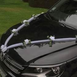 tulle voiture mariage guirlande de tulle pour decoration de voiture mariage badaboum