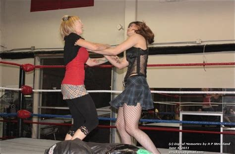 Apartment Wrestling Women  Gay And Sex