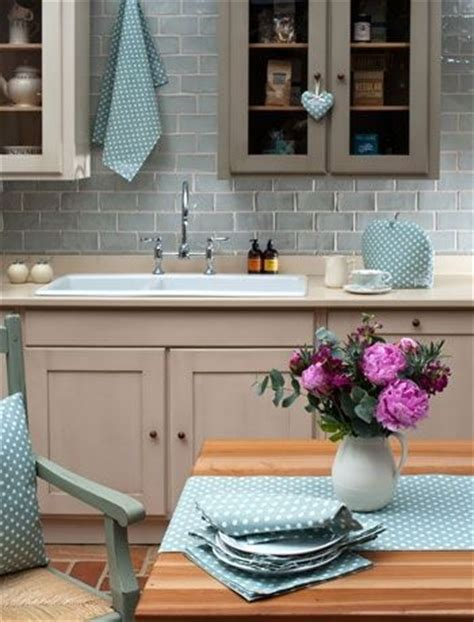 how to repaint kitchen cabinets best 25 duck egg kitchen ideas on duck egg 7342