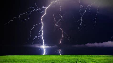 Lightning Storm Desktop