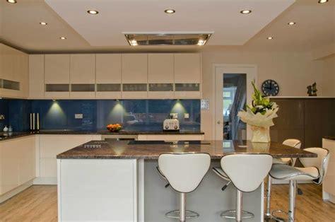 petites cuisines ouvertes amenager une cuisine ouverte meilleures images d