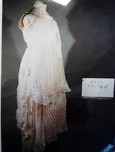 robe de femme enceinte habillee en gaze de soie rayee With robe mauve femme