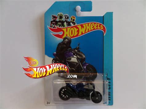 hot wheels  hw city ducati diavel motorcycle
