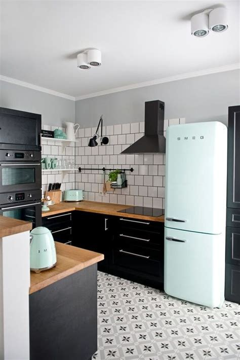 kitchen paint color ideas with white cabinets best 25 modern retro kitchen ideas on