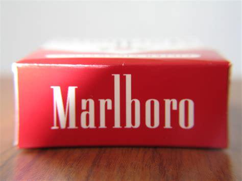 Download Cigarettes Marlboro Wallpaper 1024x768