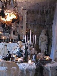 scary halloween decorating ideas Most Pinteresting Halloween Decorations To Pin on Your Pinterest Board - Easyday