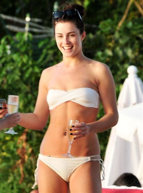 X Factor 2009: Lucie Jones enjoys a day on the beach in Barbados | Daily Mail Online