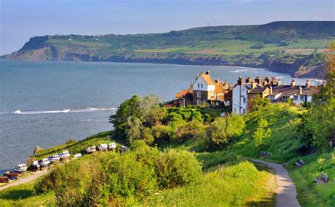 Robin Hoods Bay, Plan Your Trip To This Iconic North ...