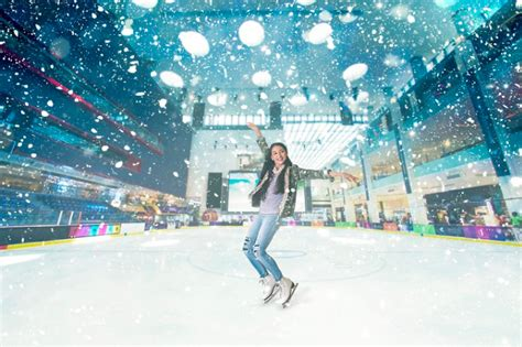 Dubai Mall's Ice Rink Launches Year-round 'snowfall